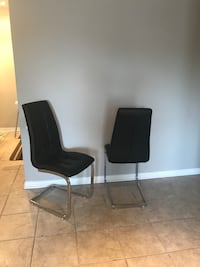 black and white padded chair Brossard, J4W 3L2