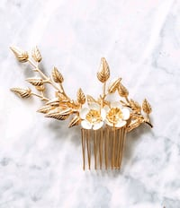Gold floral bridal hair piece Vancouver, V5X 3R3