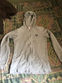 Woman's true religion sweater Oshawa, L1J 6C3