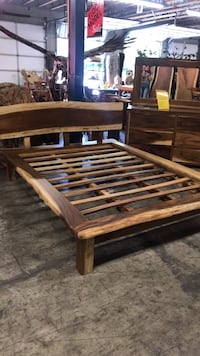 Live Edge Bed Vancouver, 98682