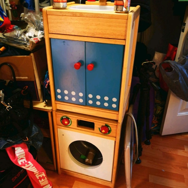 Wooden play sink, washer and counter top with rack