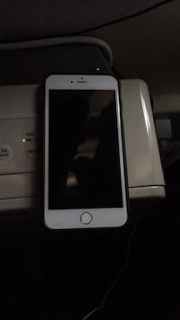 Silver iphone 6 with box Newark, 07107