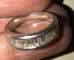Silver 925 ring size 9.price is negotiable