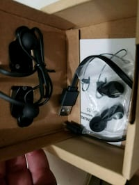 black and gray corded headphones in box Bothell, 98021
