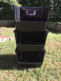 Black stackable bins  Woodbridge, 22193