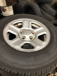 Jeep tires cane off of a 2010 wrangler sport good tires 23 mi
