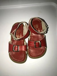 Red salt water sandal size 6t Chester, 10918