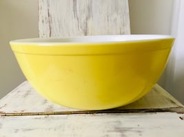 Vintage Pyrex primary yellow bowl original