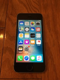 Carrier unlocked iPhone SE 128GB Mc Lean, 22102