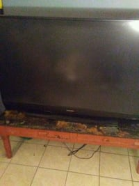 black flat screen TV with remote Albuquerque, 87108