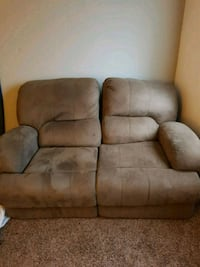 Reclining couch 2274 mi