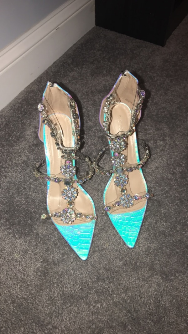 Wow me heeled sandals