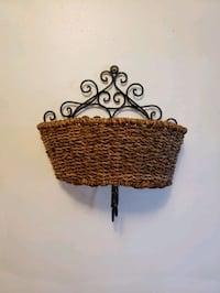 Wall basket  Mississauga, L4Y 2T8