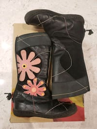 Umi size 8 toddler leather boots Toronto, M3H 5X5