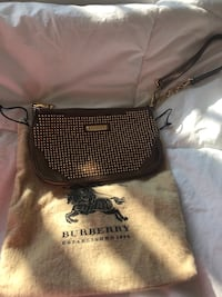 Burberry wristlet  Richmond Hill, L4B 4M4