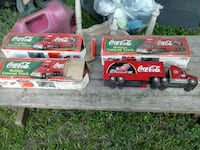 Minager 18 wheeler Coca-Cola truck with Santa Norfolk, 23513