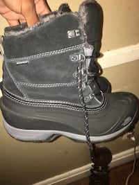 North face waterproof boots Size 9 NEGOTIABLE Baltimore, 21213