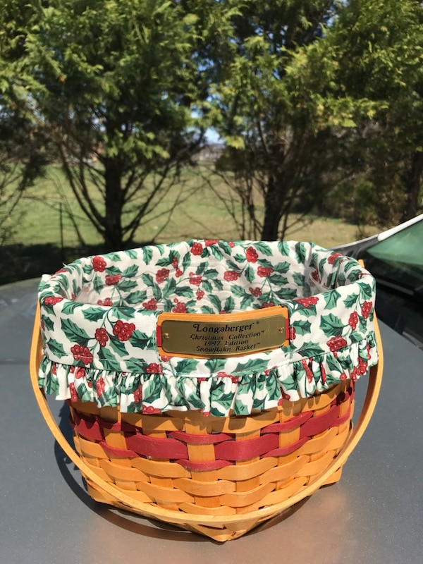 Longaberger Christmas Basket.Longaberger Christmas Collection 1997 Edition Snowflake Basket With Protector And Liner
