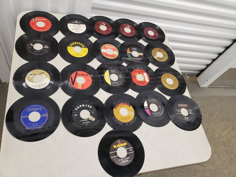Bundle of Records  161f1121-8bd7-40a5-aabd-2de3e9487f74