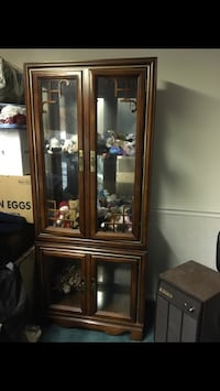 Exquisite solid wood curio display cabinet Laurel, 20723