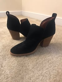 Jeffrey Campbell Black Bootie  23 mi