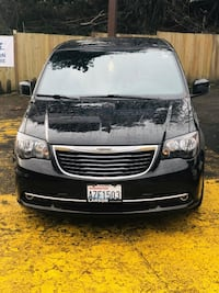 2016 Chrysler Town and Country S Seattle, 98125