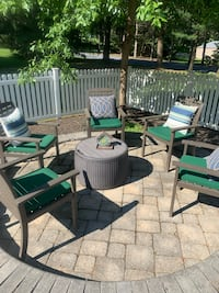 6 wooden patio chairs with cushions and pillows Lancaster, 17603
