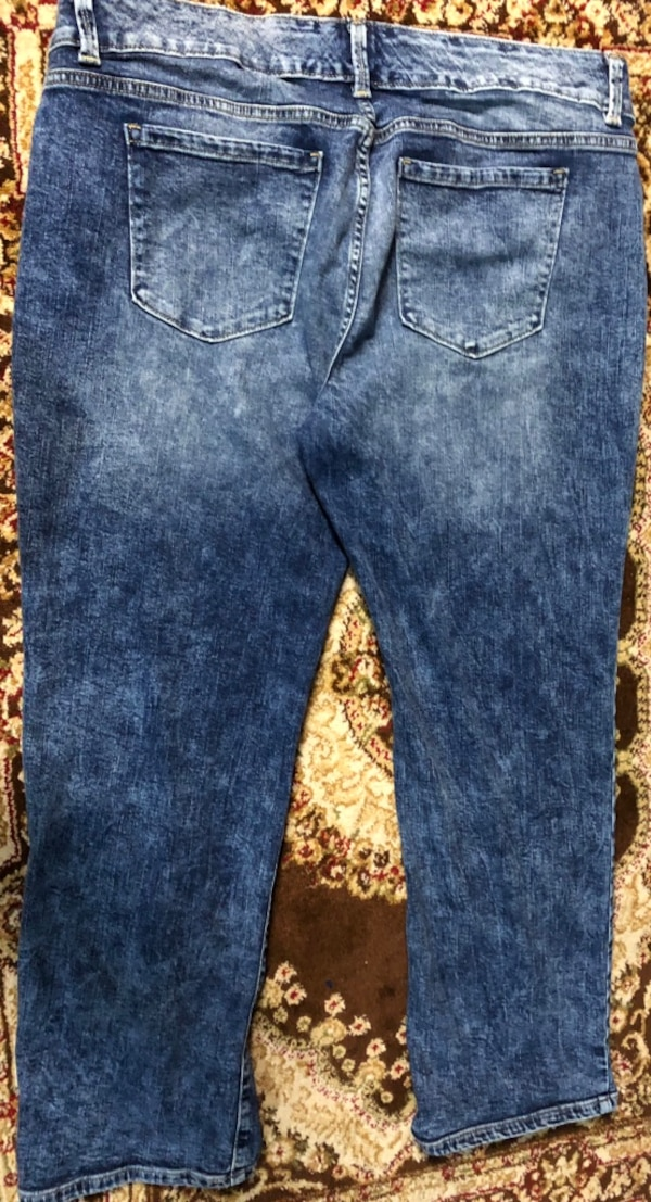 2 Pairs of Women's Jeans size 16 354e7408-6732-4765-8cb7-88ab85f27291
