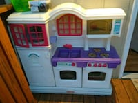 white, purple, and blue kitchen playset Kingsport, 37664