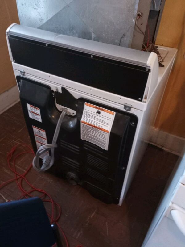 Refrigerator, stove and electric dryer fc4017d4-9bb2-481f-8caf-d4e58f7fc8a3