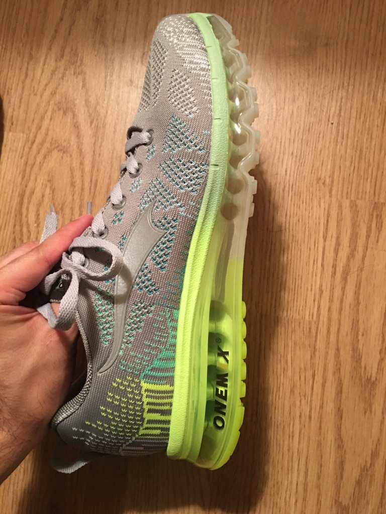Photo Onemix gray and green running shoes