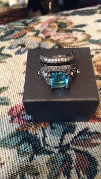 BRAND NEW Ring and Band Set Pikeville, 27863
