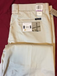 Men's Dress Pants / signature pleated Khakis From 'Dockers' (W38 L29) / Brand New wth all Tags attchd Dover, 19904