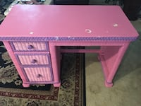 pink and white wooden desk Lehigh Acres, 33936