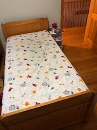 Twin size two beds in very good condition 200 for each with matters Markham, L3S 3T8