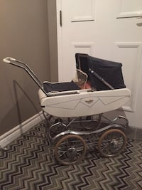 white and black bassinet stroller Brampton, L6Y 1T8