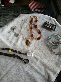 necklace, bracelet and earrings lot London, N6K 4L3