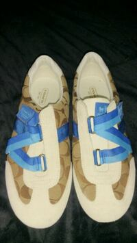 Coach lady casual  7.5 med.