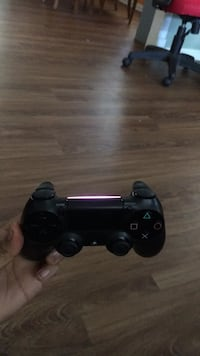 Brand new PS4 control works perfectly  42 km
