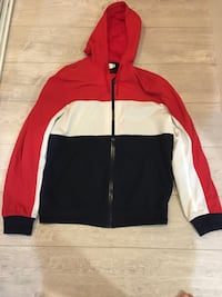 H and M Zip up Rain coat North Vancouver, V7M 1V5