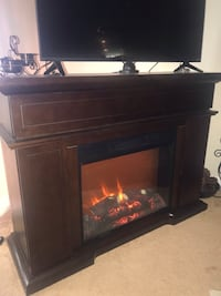 Electric fireplace with heater  51 km