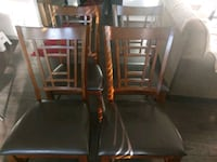4 dining chairs and a dining table Olathe, 66062