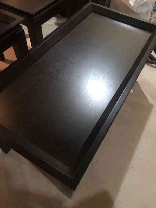 Black coffee table with 2 side tables 7a9a7b26-1796-4f22-bc66-508da04f904f