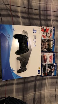 PlayStation 4 with games Baltimore, 21215