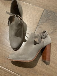 Frye ankle boots size 7.5  Alexandria, 22312