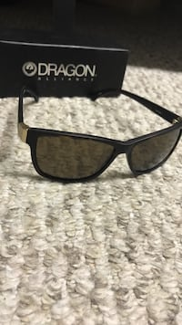 Black framed dragon wayfarer sunglasses Lumsden, S0G