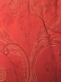 Beautiful reversible comforter with bed skirt only Salem, 03079