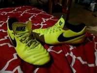 pair of yellow-and-black Nike cleats Guelph, N1E 4E7
