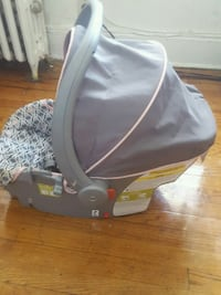 baby's gray and red car seat carrier Hempstead, 11550