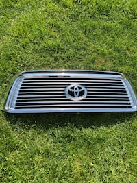 10-13 Tundra limited/platinum grille Corry, 16407